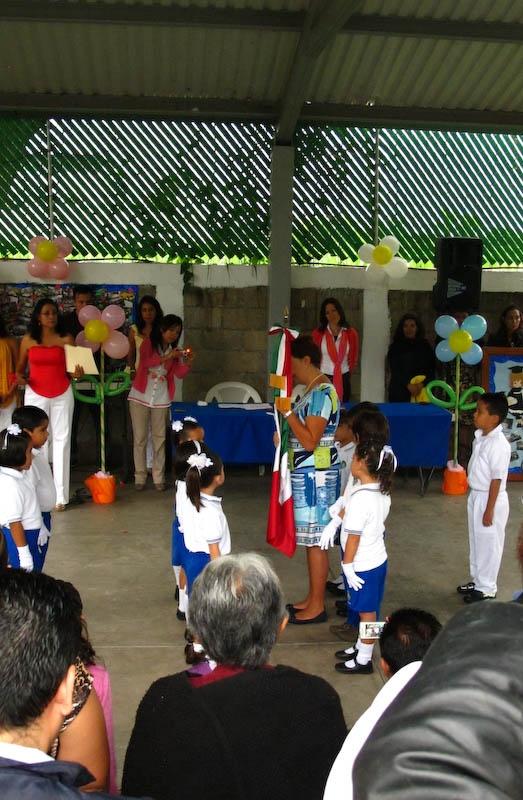 Entrega de Bandera a la Escolta que la portará durante el año escolar 2013