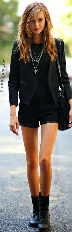 -All black outfit -Black blazer -Black shorts -Black t-shirt -Black boots