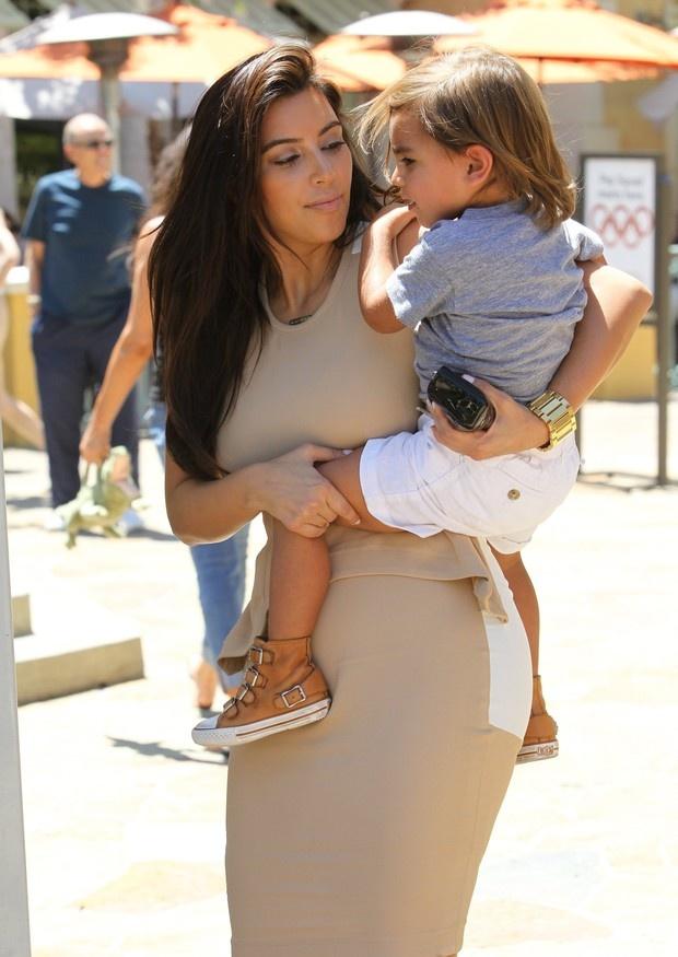 Nossa fofura do dia fica por conta de Mason Disick, sobrinho de Kim Kardashian. Dêem uma olhada no All Star do mocinho e digam se ele não arrasa!