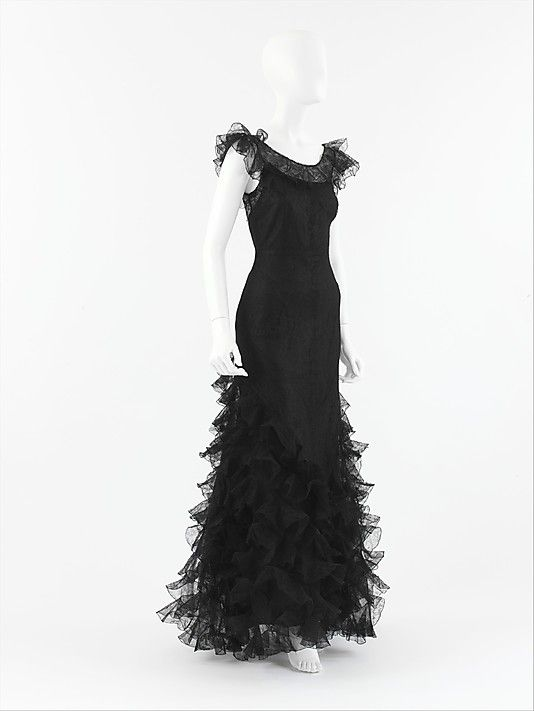 Chanel 1932.  My favorite Chanel dress in the history of Chanel dresses.