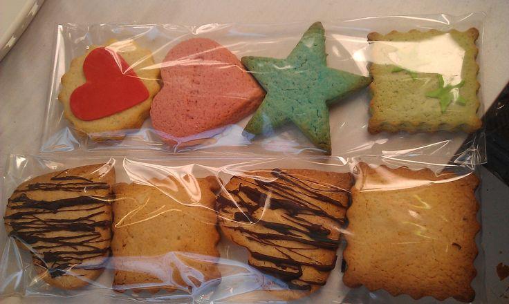 En paquets, per menjar galetes de tirada.