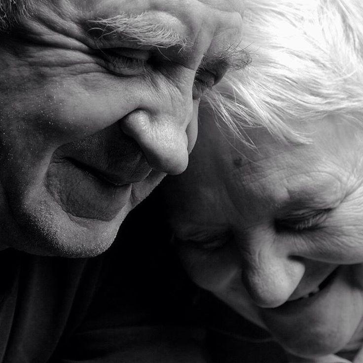 Amore e complicità  #leopizzo #unavitainsieme #noi #together #couple #complicità #amore #sanvalentino #complicity #profondo #vero #love #sainvalentine #forever #roma #milano #taormina #catania #clemente #gioielli #madeinitaly #handmade