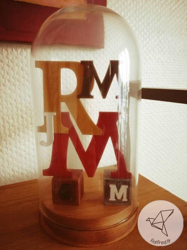 Composition de lettre sous cloche en verre DIY