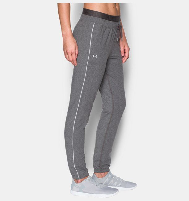 ¡Cómpralo ya!. Pantalón de jogging estrecho UA Favorite para mujer. UA Charged Cotton® tri-blend has a soft, athletic feel for superior comfort & performance Signature Moisture Transport System wicks sweat so it dries faster than ordinary cotton Anti-odor technology prevents the growth of odor-causing microbes Classic jogger construction flows from a more generous hip & thigh to a slim, fitted ankle Adjustable double waistband with exposed wordmark elastic Open hand pockets , pantalónjog...