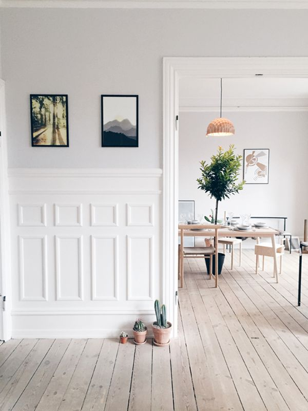 FindersKeepers apartment | foto Allan Torp, the plant actually is in a hole at the table, this house tour is so pretty and really simplistic