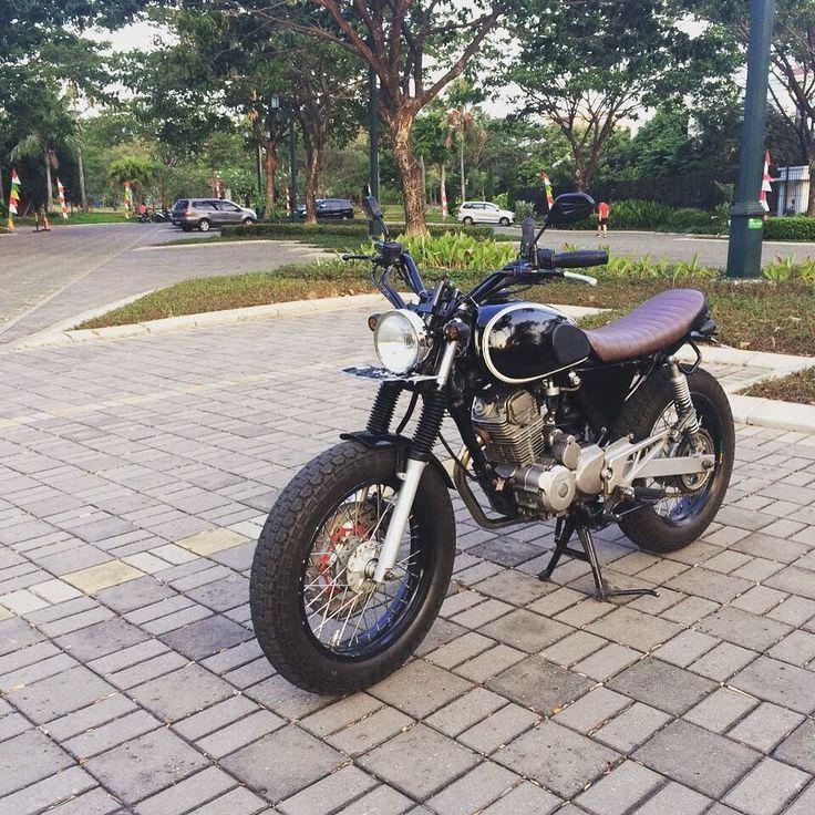 #Honda #Tiger2000 #HondaTiger #modified #Modifikasi #Scambler #bratstyle #caferacer #motorcycle #HTCI #HTML #MBI #subculture #indonesian FS gan minat gedor Aja ! ( 083873399227 WA ) by pramanaputraaa