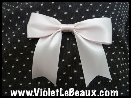 simple ribbon bow tutorial
