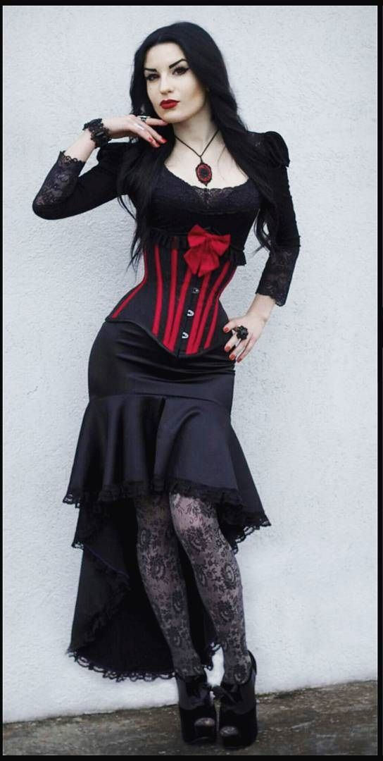Model: Johanna Vetis Outfit: Villena Viscaria Clothing Jewelry : Sardonyx Lace Welcome to Gothic and Amazing  www.gothicandamazing.org