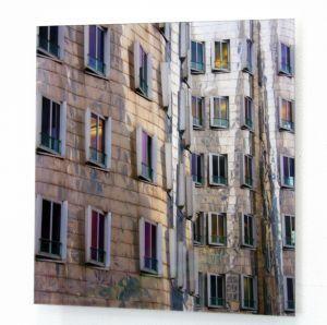"""""""Dusseldorf"""" di Piergiorgio Calcaterra DImensione 40 x 40 cm Stampa su carta fotografica high-quality - Montaggio su Dibond 3 mm - Applicazione frontale lastra di perspex 3 mm, bordi lucidati, sul retro profili in alluminio per sospensione"""