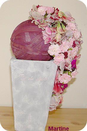 Waterval maken met bloemen - bloemstuk met cascade schikking of watervalboeket