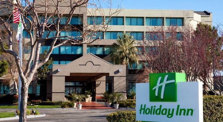 Holiday Inn Palmdale-Lancaster Palmdale Providing an on-site restaurant and free shuttle service to sites within a 10-mile radius, this Palmdale, California hotel is within driving distance of Six Flags Magic Mountain amusement park.