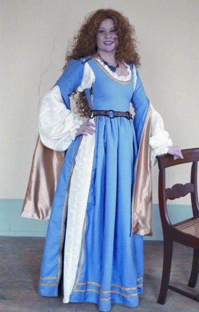 http://www.pearsonsrenaissanceshoppe.com/silk-noil-venetian-gown.html