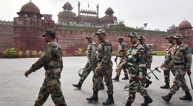 New Delhi: A live grenade found during the cleaning of a well in the Red Fort complex was safely removed by National Security Guard (NSG) commandos on Friday. Officials of the Archaeological Survey of India (ASI) had found the grenade during a cleaning operation last evening. The discovery of...