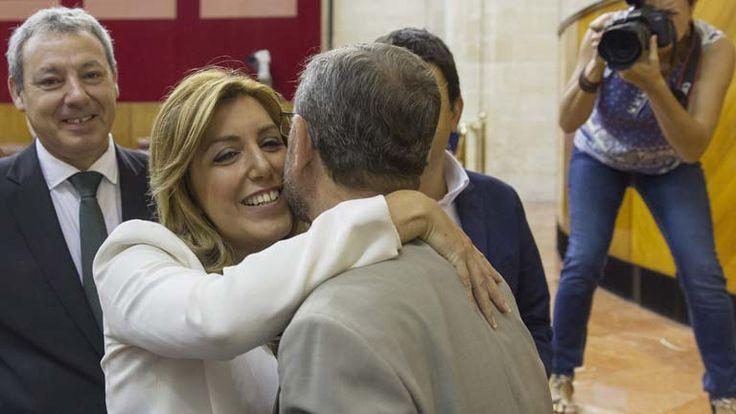 La presidenta de la Junta de Andalucía, Susana Díaz, tras ser elegida para el cargo por el Parlamento autonómico.