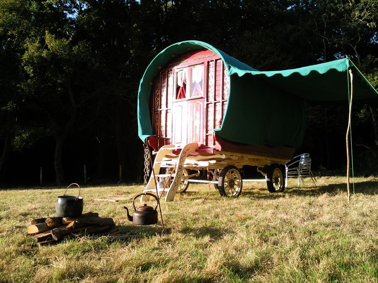 1000+ images about bow top caravans on Pinterest ...