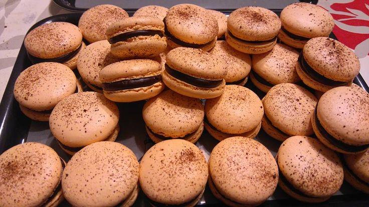 Découvrez les recettes Cooking Chef et partagez vos astuces et idées avec le Club pour profiter de vos avantages. http://www.cooking-chef.fr/espace-recettes/desserts-entremets-gateaux/coques-macarons-a-litalienne