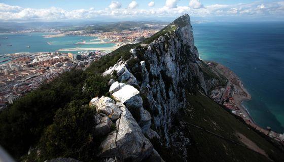 Vista del peñón de Gibraltar y del Campo de Gibraltar.