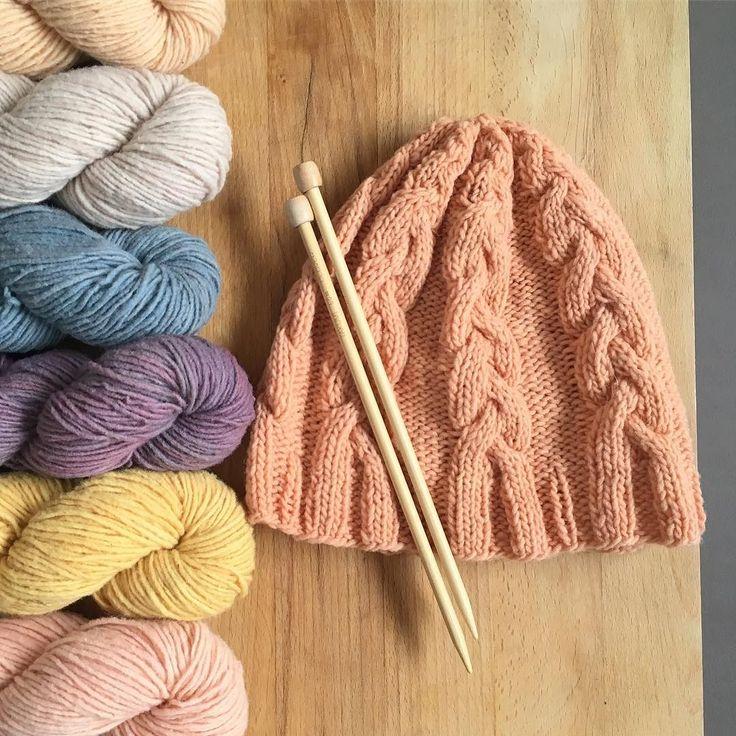 El secreto para enfrentarte a un día gris? Aliñarlo con notas de color! . Madejas de @gregoriafibers de merino nacional 100% y teñidas a mano con tintes vegetales. . #lana #lanas #yarn #wool #gregoriafibers #locallysourcedmerino #ohlanas #lanasconhistoria #botanicaldyedyarn #yarnshop #yarnstagram #knitlife #knit #knitting #punto #tricot #ganchillo #crochet #autumnknits #tejiendoparaelfrio