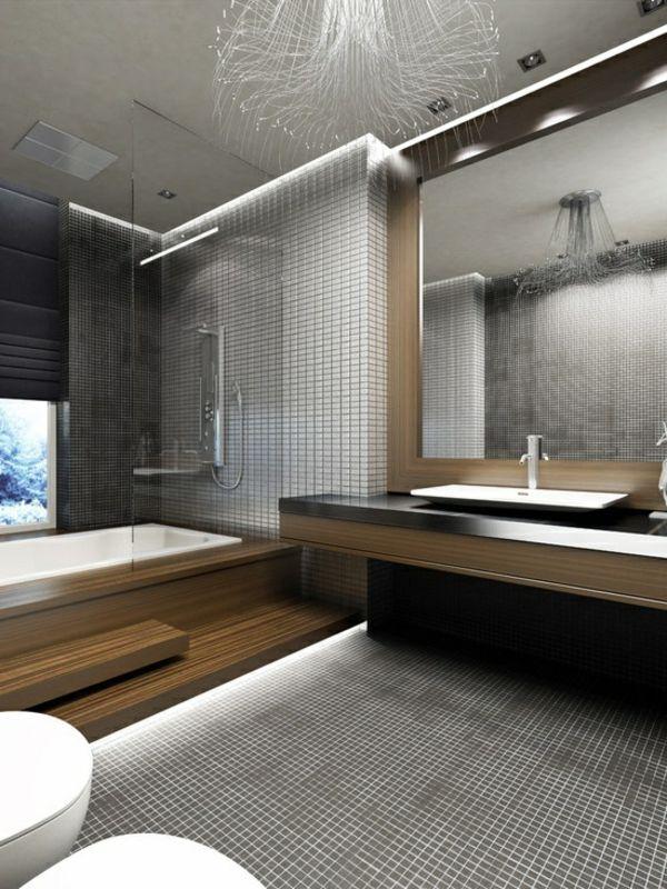 luxuriöses Badezimmer mit extravaganten Fliesen
