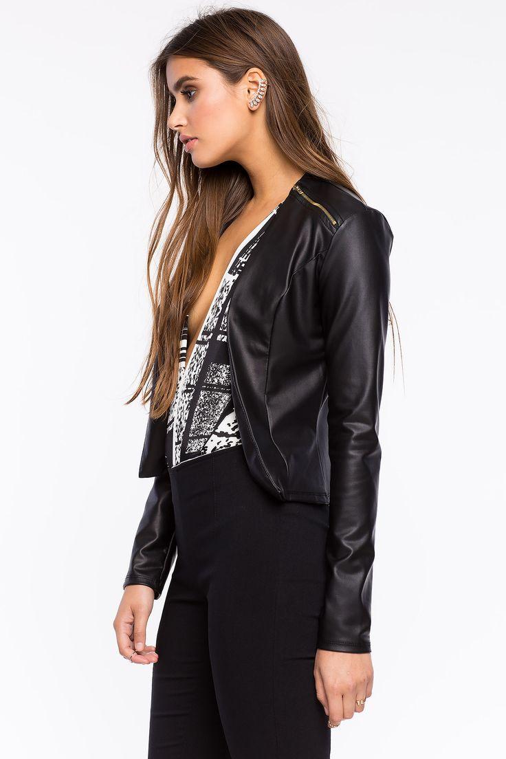 Куртка из искусственной кожи Размеры: M, L Цвет: черный Цена: 1829 руб.  #одежда #женщинам #куртки #коопт