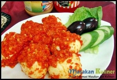 Resep Telur Balado  Bosan dengan telur dadar atau telur goreng ? Yu dicoba Resep Masakan Indonesia Telur Balado. Bumbu baladonya bikin lidah kita manja.