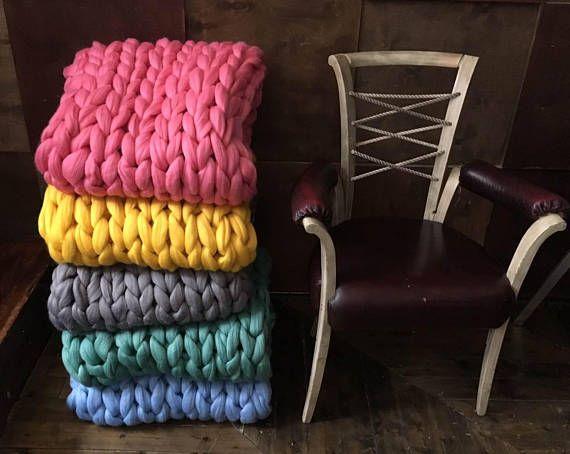DIY Arm knitting merino wool. 3 inch stitch. Super Chunky