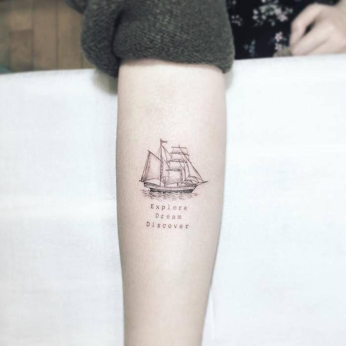 36 fantastische Schiff Tattoo Designs und Ideen 6b9f1801099ca773fab939491df0e770