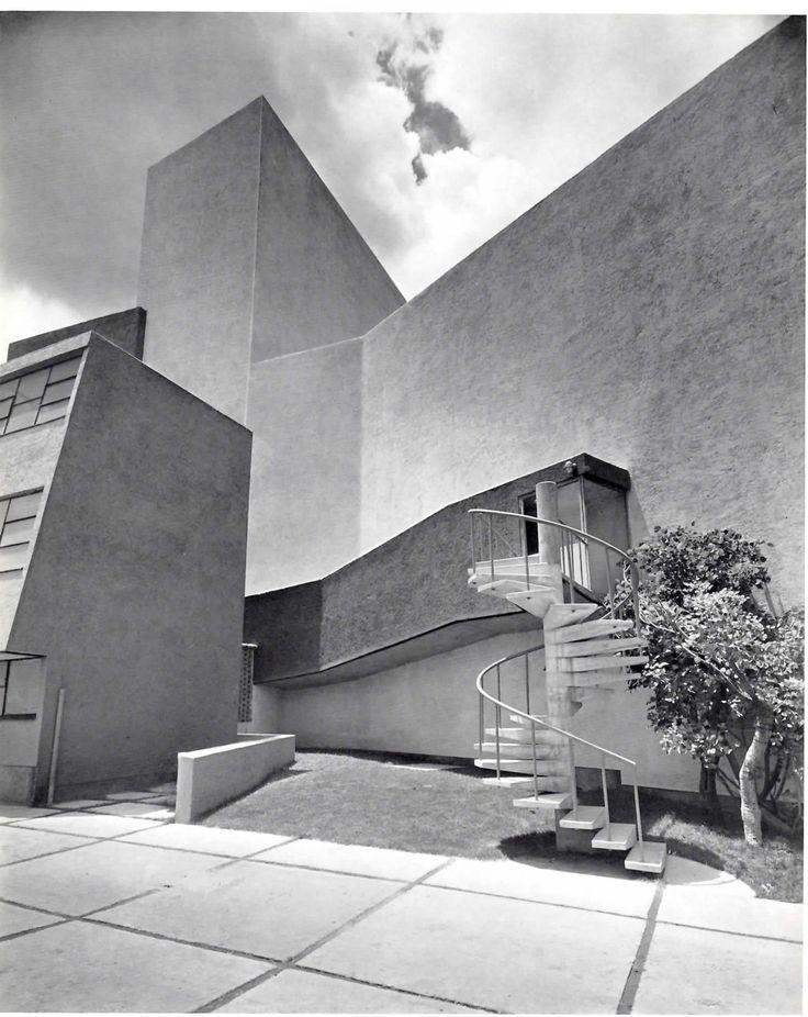 Teatro de los Insurgentes (Vista lateral del teatro) México, DF 1952