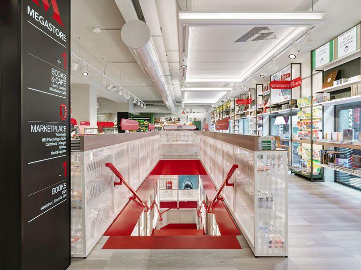 #design #bookstore #mondadori #milan