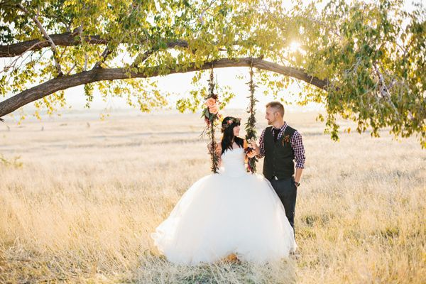 i so want a picture on a swing....can i bring a swing just in case?? Bohemian Fall Bridal Session
