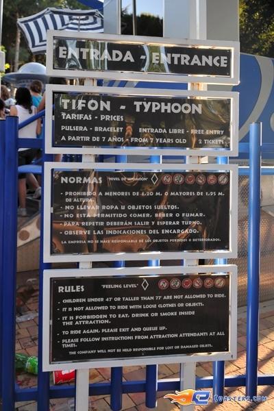3/7 | Photo du Roller Coaster Tifon situé à @Parque de Atracciones Madrid (Espagne). Plus d'information sur notre site http://www.e-coasters.com !! Tous les meilleurs Parcs d'Attractions sur un seul site web !! Découvrez également notre vidéo embarquée à cette adresse : http://youtu.be/NCei0vi5YF0