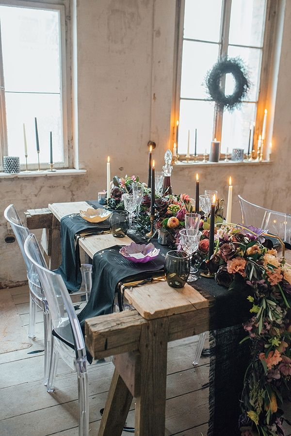 October wedding with a black color palette