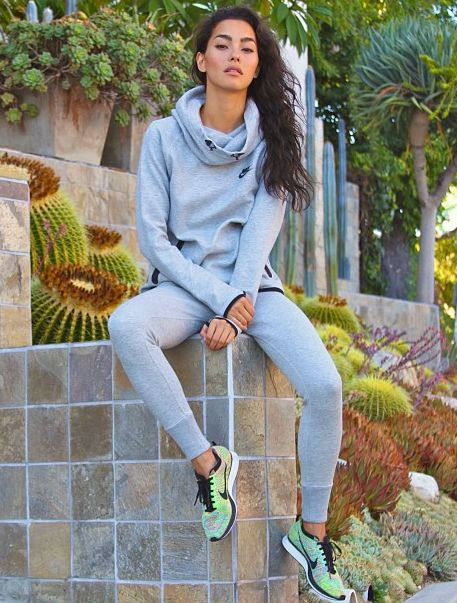 Adrianne Ho wearing Nike Flyknit Multi coloured racers #sneakers #fashion