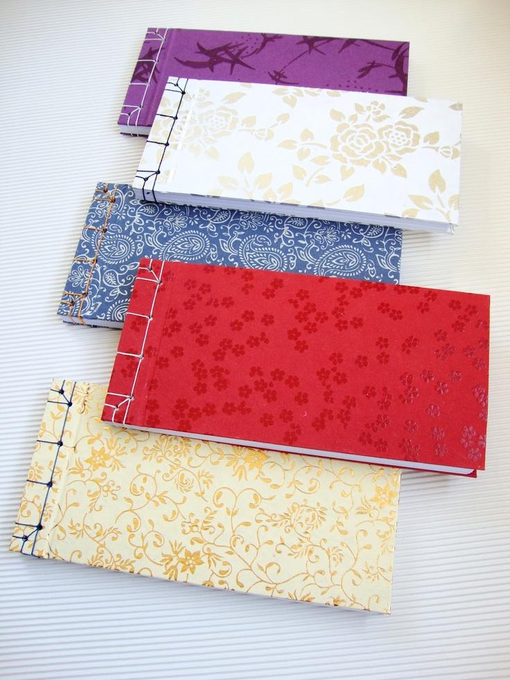 Cuadernos en formato apaisado realizados con encuadernación japonesa / Japanese bindind landscape format notebooks