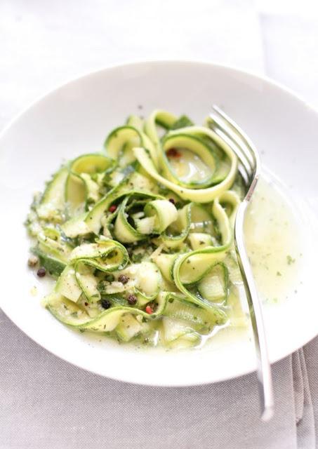 - VANIGLIA - storie di cucina: tagliatelle di zucchine marinate al limone (e zenzero! ;))