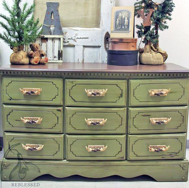Chalk Style Paint In Nantucket Green Topped With Van Brown Glaze Effects Have You Checked Out All 20 Of Our Colors Yet Re