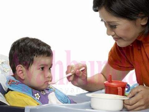 :: Jadwal MPASI dan ASI Pasca Bayi 6 Bulan :: Gizi & Kesehatan :: Artikel :: Ayahbunda ::