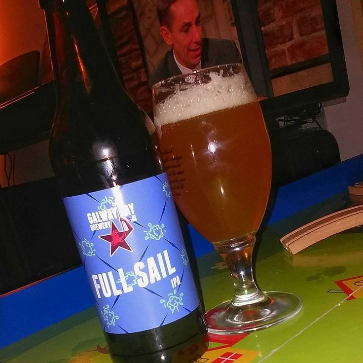 Full Sail ahead Mr.Friday!..a nice little IPA from Galway Bay brewery! #instabooze #ipa #tgif #craft #craftbeer #beersofig #beersoftheworld #galwaybaybrewery #fullsail #bier #olut #öl #slainte #beer #drink #drinks #instabeer #ireland #thirsty #beeroftheday #galway #discoverireland #irish #irishbeer #instacool #beeragram #ryantubridy #thelatelateshow #instagalway