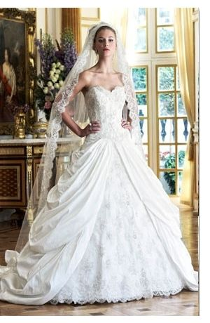 Ian Stuart - Sweetheart Ball Gown in Silk Dupioni...I think I found my dress...Now I just need to find the guy