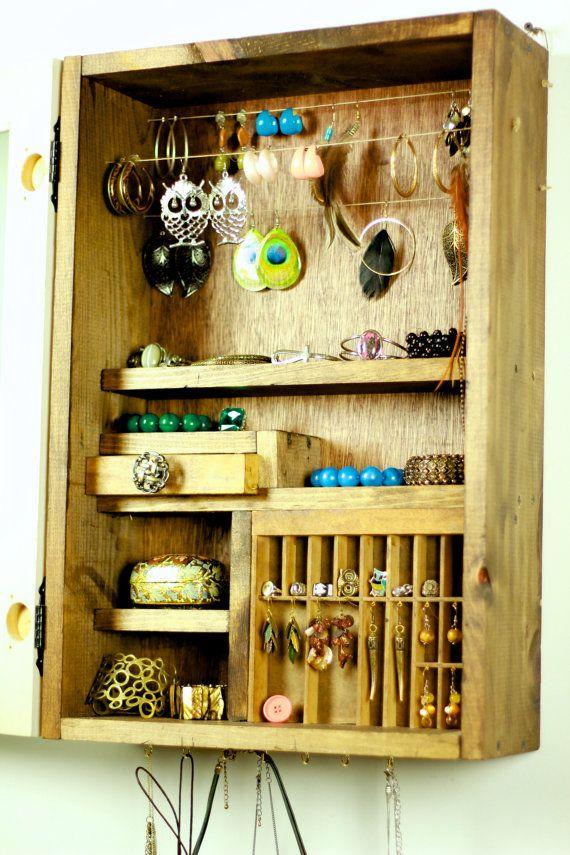 Jewelry organizer: Earrings Bracelets, Jewelry Storage, Wooden Jewelry, Apartment Projects, Wooden Storage Ideas, Owl Earrings, Wooden Crates, Diy Projects, Jewelry Organizations