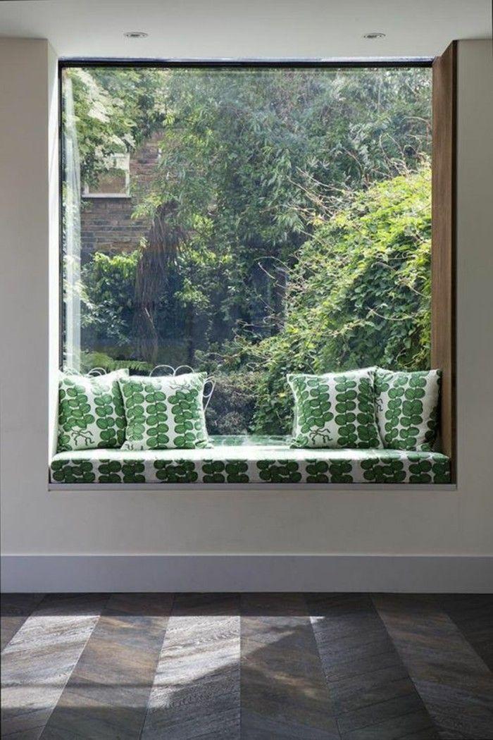 Sitzecke am Fensterbank grüne kissen
