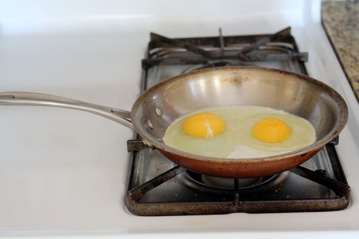 how to make perfect over easy eggs