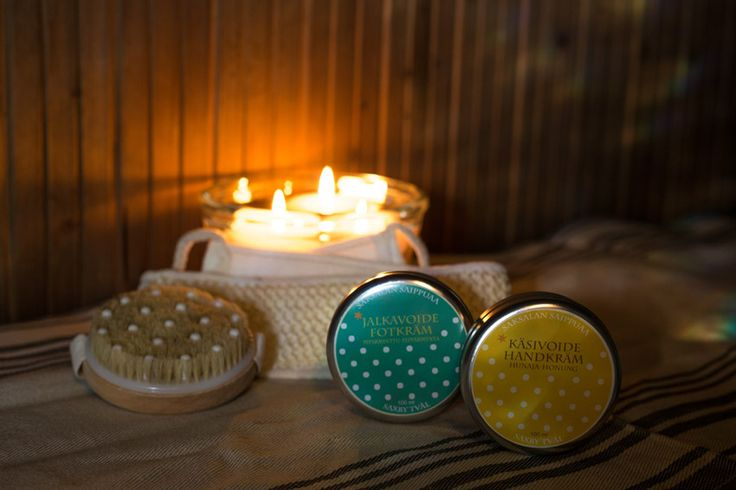 Pesu- ja hyvinvointisetti Piparminttu-Hunaja sisältää: 1 kpl Hierova pesusieni 1 kpl Selänpesin 1 kpl Piparminttu jalkavoide 1 kpl Hunaja käsivoide http://www.iozzu.com/ #sauna #lahjaideat #lahja #lahjaksi #joulu #joululahjat