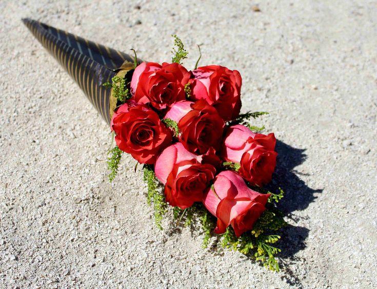 Cono-bouquet de rosas.