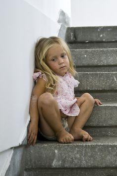 Die wahre Ursache von Sucht geht auf diese 6 Erlebnisse aus der Kindheit zurück