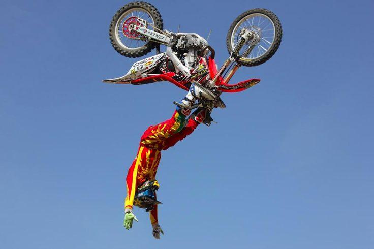 "Slow Motion ""Shaolin Backflip"" - Levi Sherwood - Red Bull Moments ..."