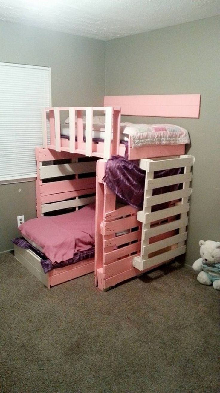 Pallet bedroom furniture plans - Best 25 Pallet Bunk Beds Ideas On Pinterest Bunk Bed Mattress 3 Tier Bunk Beds And Traditional Bunk Beds