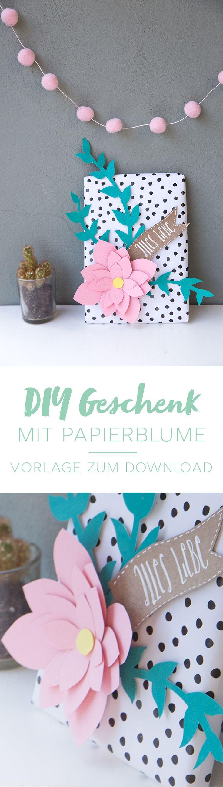 Kreative Idee zum Geschenke verpacken: Geschenk mit Papier-Blumen kreativ verpacken | mit Step by Step Anleitung und kostenloser DIY Vorlage | DIY Blog