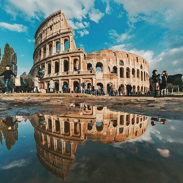 El Coliseoromano En Roma Italia Hacie Do Turismo Por