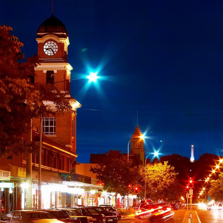 Albury by night